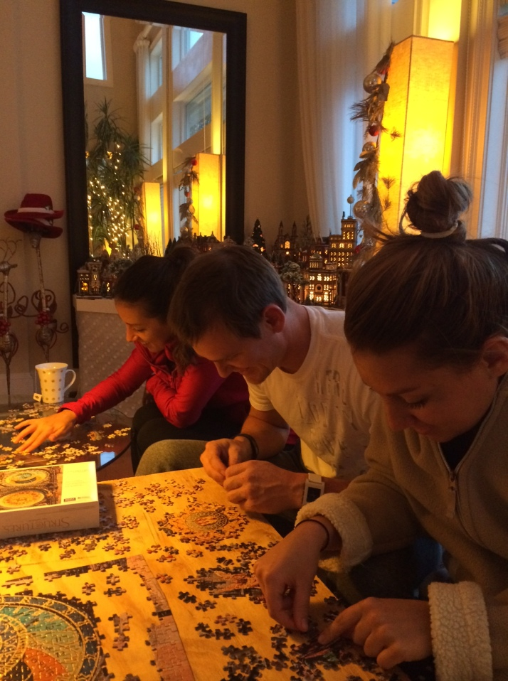 the family that puzzles together...